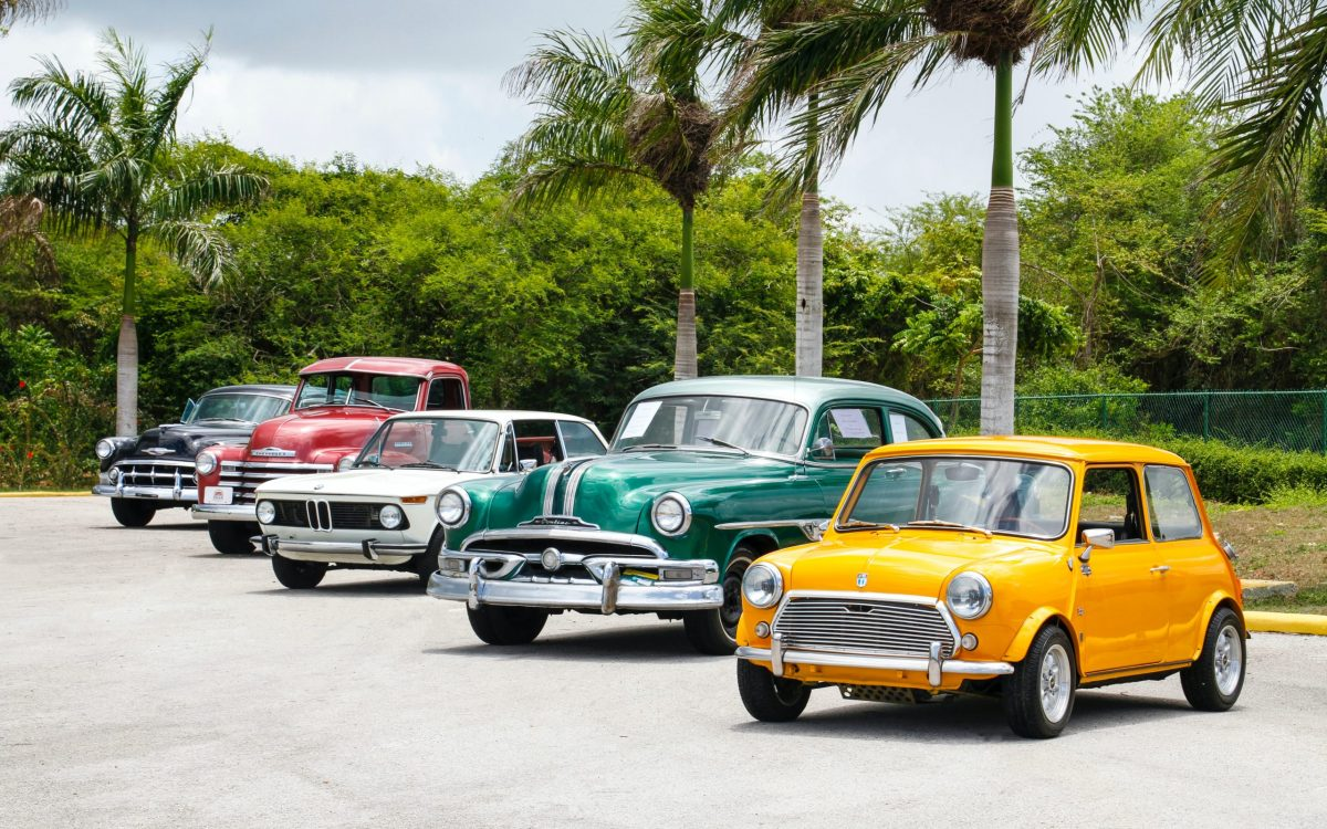 photo-of-five-cars-parked-1280560